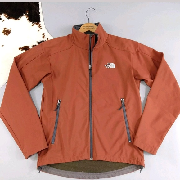 e4d810104 The North Face size small burnt orange soft jacket